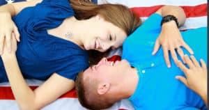Sich Mitteilen und sich auszutauschen ist wichtig für ein erfülltes Beziehungsleben. Paartraining mit Dee und Matthias Stolla