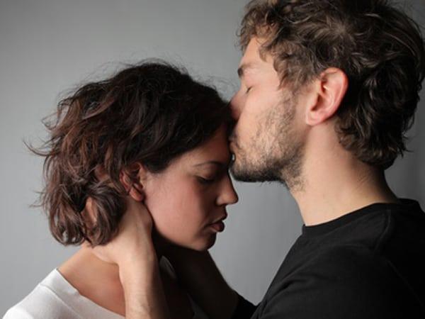 Sich zu entschuldigen fällt vielen schwer, für den Partner ist es jedoch ein Geschenk der Liebe